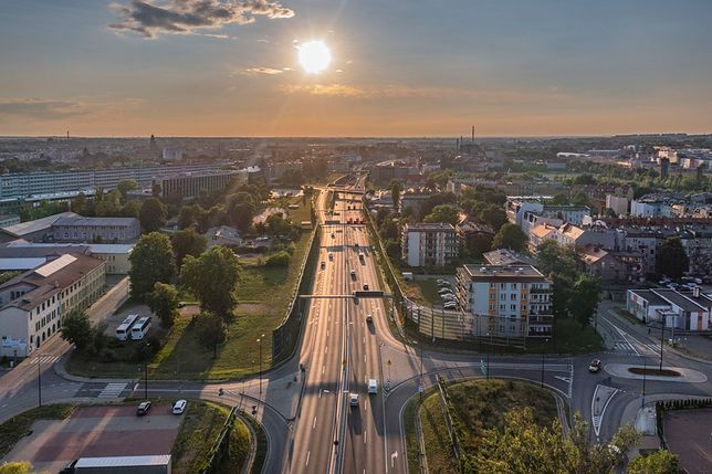 Śląskie. Po wybudowaniu w Gliwicach DTŚ w śródmieściu zmniejszyła się ilość szkodliwego dwutlenku azotu w powietrzu.
