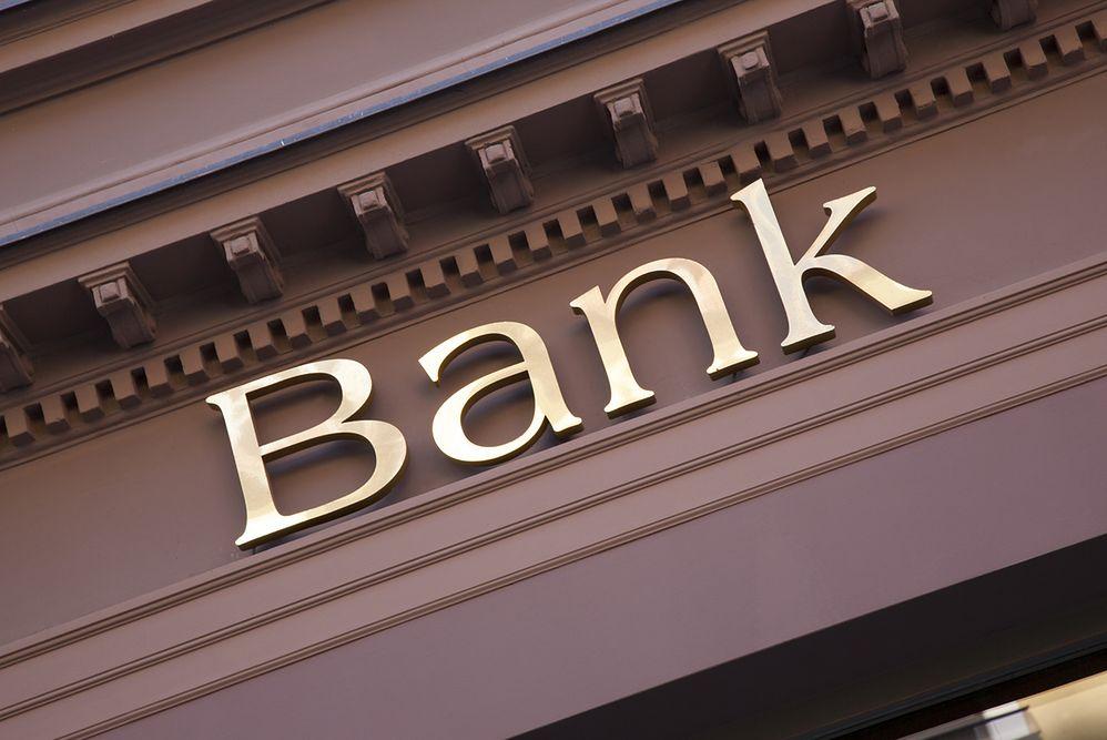 Przerwy serwisowe w weekend w kilku bankach. Mogą być nawet problemy z płaceniem kartą