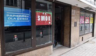 Otwarcie sklepu z papierosami dla dzieci - kampania mająca na celu zwrócenie uwagi na poziom smogu