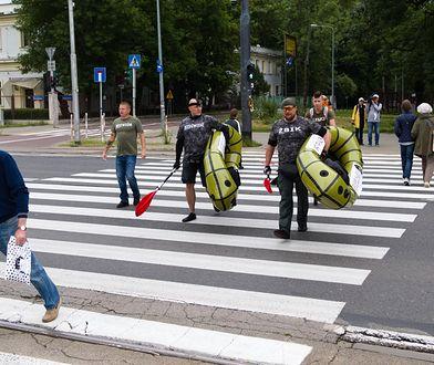 Warszawa. Do góry kulami. Twardziele pomagają dzieciom