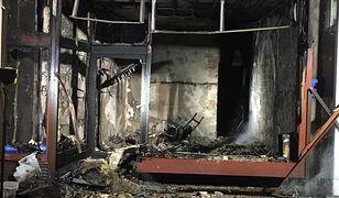 Bomba w budynku na Solcu. Sprawcę widać na monitoringu