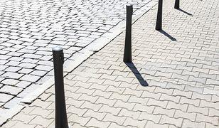 Warszawa. Śródmieście. Kolejne podwórka w programie ułatwiającym parkowanie