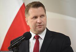 """""""Cnoty niewieście"""" zamiast """"ideologii LGBT"""" w polskich szkołach? Minister o pomyśle MEiN"""