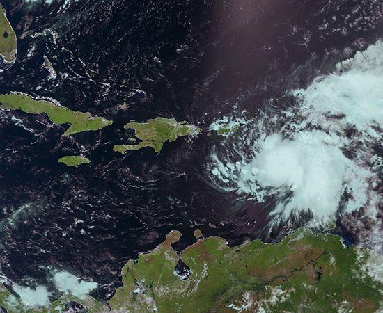 Ogromne zniszczenia po przejściu huraganu Emily