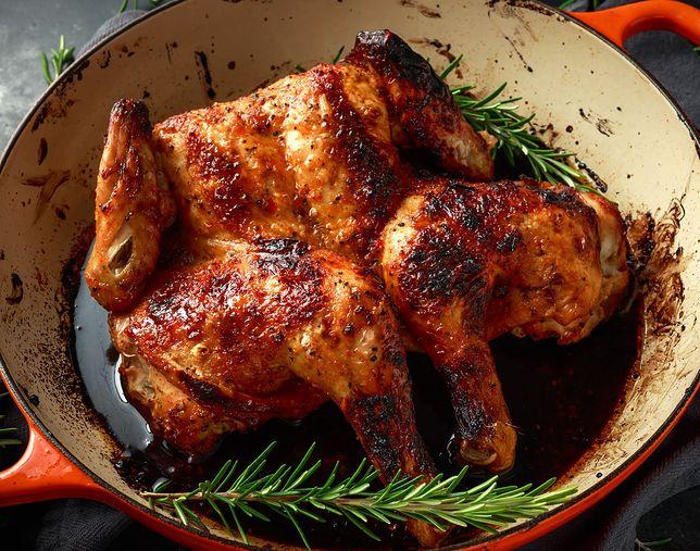 Kurczaka najczęściej smaży się, dusi, piecze, grilluje