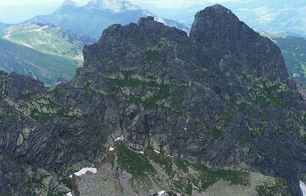 Lawina w Tatrach, w rejonie Kościelca. W akcji TOPR udział wzięło 20 ratowników