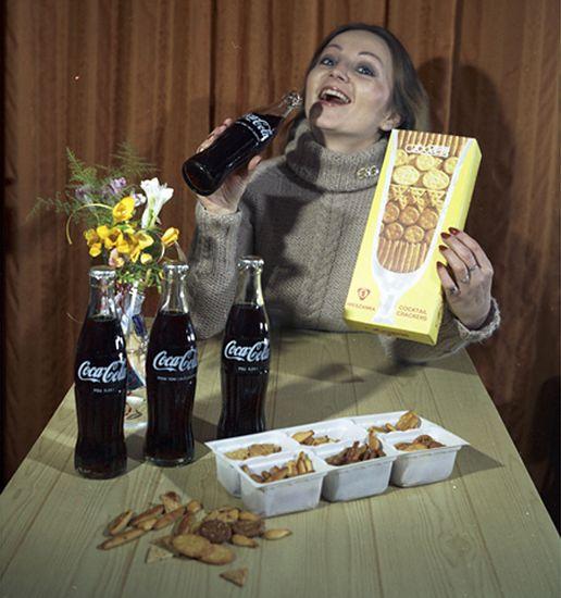 Reklama Coca-Coli i Krakersów z 1980 roku