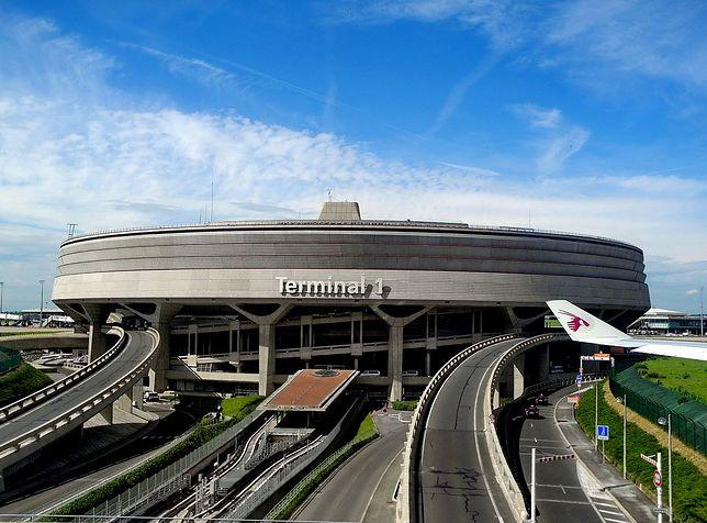 Terminal 1 lotniska Paryż-Charles de Gaulle obsługuje loty największych linii lotniczych