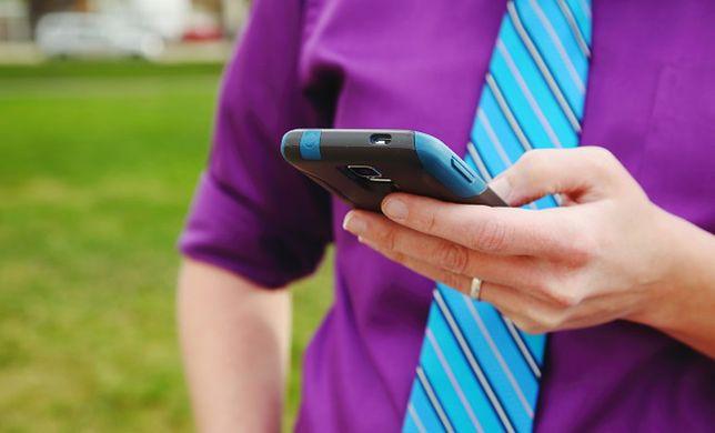 Ciągłe korzystanie ze smartfonu może zwiększyć ryzyko depresji