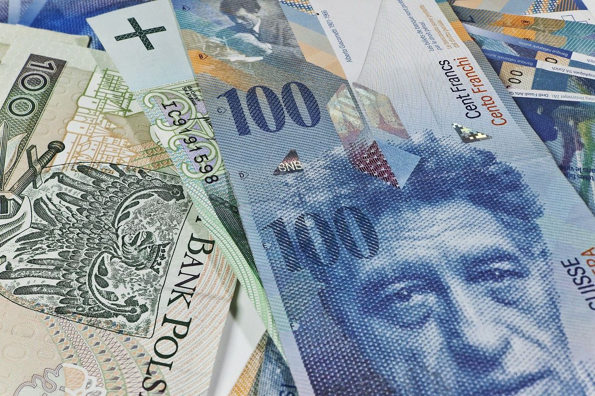 Banki oddadzą frankowiczom pieniądze, które nieuczciwie na nich zarobiły. Ustawa spreadowa coraz bliżej