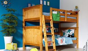 Łóżka piętrowe dla dzieci są świetnym pomysłem do wykorzystania w pokoju rodzeństwa.