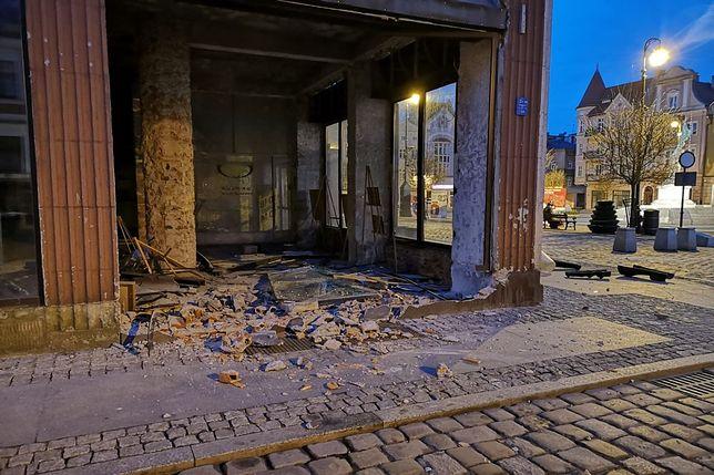 Pijana kobieta wjechała w ścianę domu towarowego w Grudziądzu