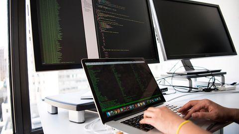 Najpopularniejsze języki programowania: Visual Basic .NET jeszcze nigdy nie był tak wysoko