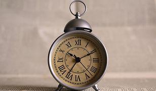 Zmiana czasu 2020. Przestawiamy zegarki z czasu letniego na zimowy