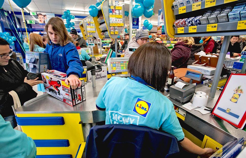 W Lidlu już można płacić Blikiem. Mobilne płatności coraz popularniejsze.
