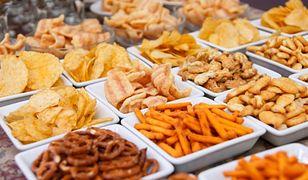 Chipsy idą na dietę, bakalie na topie