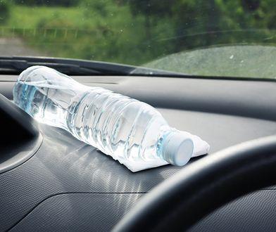 Butelka z wodą działa jak soczewka