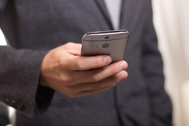 Awaria T-Mobile, mogą nie działać SMS-y i Biuro Obsługi Klienta. To efekt pożaru na Annopolu