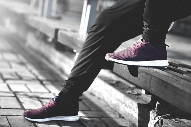 Męskie buty sportowe to obowiązkowy dodatek w szafie.