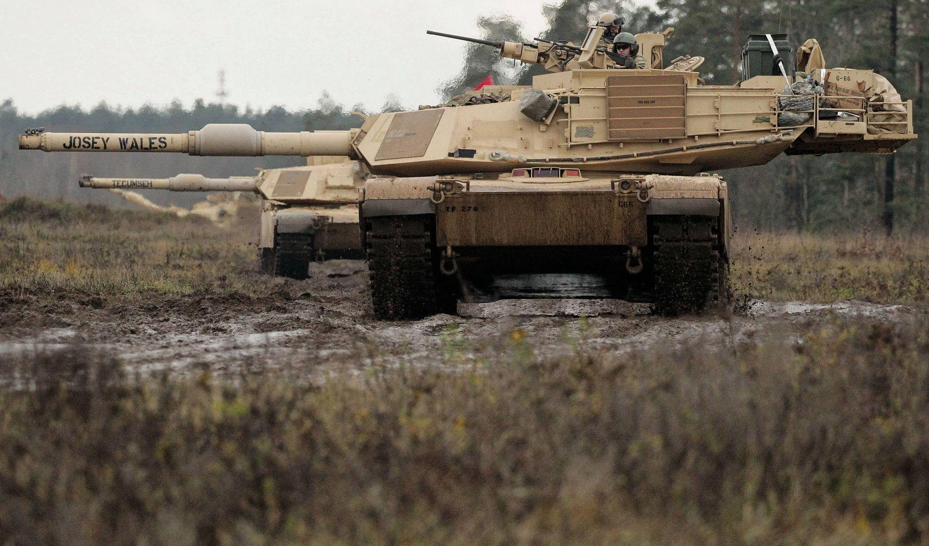 Czołgi Abrams na poligonie w Orzyszu