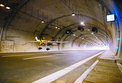Lot samolotem w tunelu. O tym wyczynie będzie opowiadał wnukom
