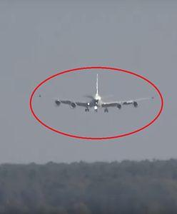 Przerażające lądowanie samolotu szpiegowskiego RC-135. Maszyna wracała właśnie z misji [WIDEO]