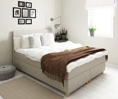 Aranżacje białej sypialni w stylu skandynawskim