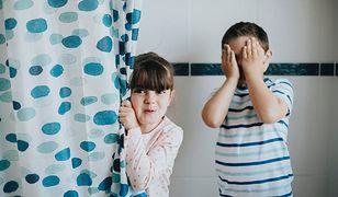 Zasłona prysznicowa zapobiega powstawaniu rozprysków wody