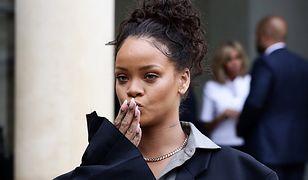 Rihanna znowu pomaga. Tym razem rozda dziewczynkom... rowery