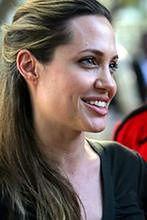 Angelina Jolie walczy o syna