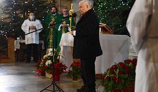 Jarosław Kaczyński bez maseczki na mszy. Co z postępowaniem sanepidu?