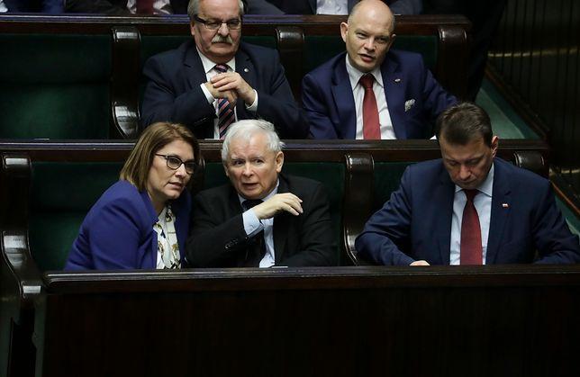 Zbiera się rada polityczna PiS. Mazurek zdradza szczegóły