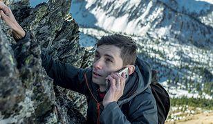 Na wyprawę w góry przyda się telefon o solidnej konstrukcji, dobrym zasięgu i wytrzymałej baterii