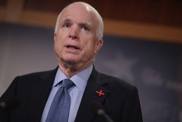 "McCain apeluje do Trumpa o broń dla Ukrainy. ""Nalegam"""