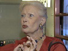 """Beata Tyszkiewicz: """"prawdziwa dama powinna pić i palić"""""""