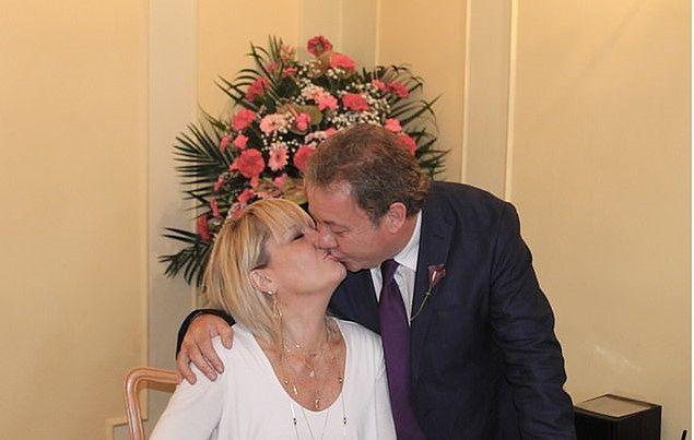 Carol i Mike wzięli ślub po 40 latach.
