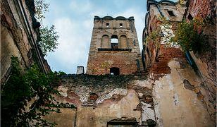 Zamek w Ratnie Dolnym jest w opłakanym stanie