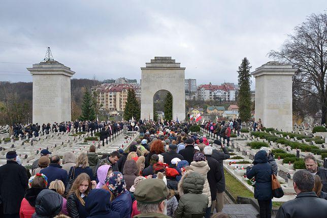 Na Cmentarzu Łyczakowskim zatrzymano trzech studentów z Polski