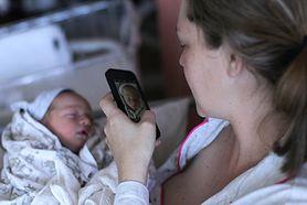 Czym jest sharenting? Kiedy zdjęcie naszego dziecka na Facebooku może trafić w niepowołane ręce