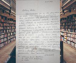 Łza kręci się w oku. Studentka z Wrocławia otworzyła starą książkę
