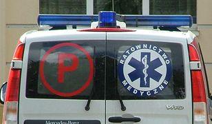 Koronawirus w Polsce. Kalisz. Karetki z chorymi czekały 6 godzin. Wezwano policję(Wikimedia Commons)