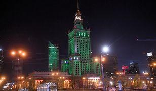 Warszawa. PKiN podświetlony na zielono w rocznicę podpisania Porozumienia Paryskiego
