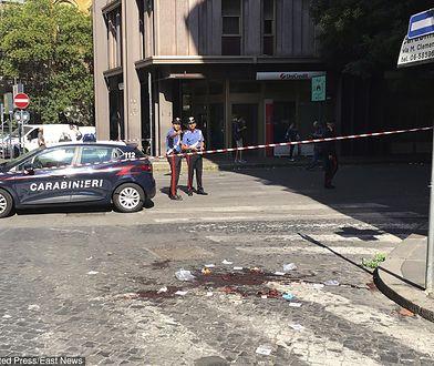Karabinier zasztyletowany na służbie w centrum Rzymu. Poszukiwania Afrykańczyków