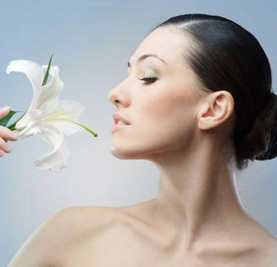 Kosmetyki mogą być doskonałym źródłem witamin dlatego warto wiedzieć, które z używanych przez nas produktów mogą je zawierać.