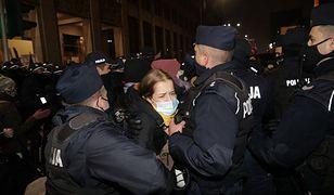 """Strajk kobiet. Były szef prokuratury: """"Mamy do czynienia z coraz większą brutalnością policji"""""""