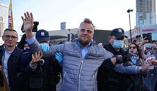 Strajk Przedsiębiorców. Zobacz jak Paweł Tanajno rapuje w #hot16challenge2 i wzywa do udziału w strajku
