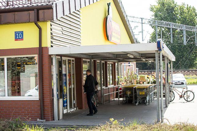 Sanepid zamknął sklep w Swarzędzu po tym, jak u jednego z pracowników potwierdzono zakażenie koronawirusem.