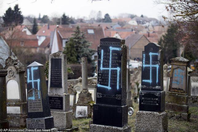 Zniszczony cmentarz żydowski w Quatzenheim