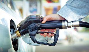 Majówkowe ceny paliw - litr drożej niż 5 zł