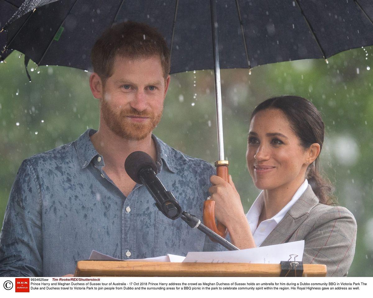 Książę Harry i Meghan Markle w Australii. Czuły gest księżnej przykuwa uwagę